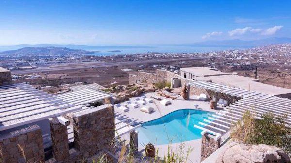 Σκορπιός της Μυκόνου. Το Beach Club Μυκόνου| Mykonos.Luxury