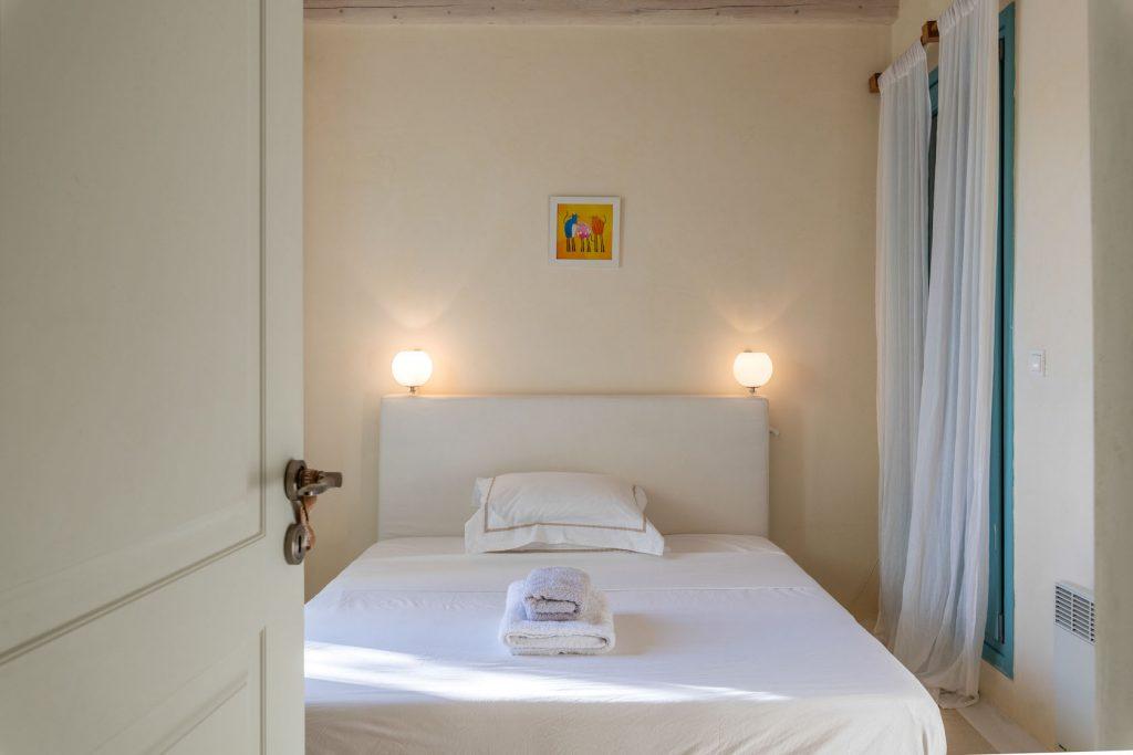Mykonos-Luxury-Villa-Agapi1