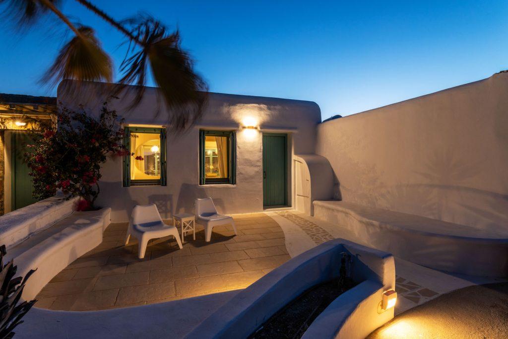 Mykonos-Luxury-Villa-Agapi2