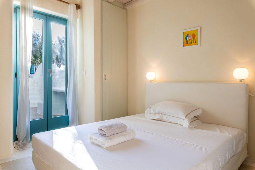 Mykonos-Luxury-Villa-Agapi8