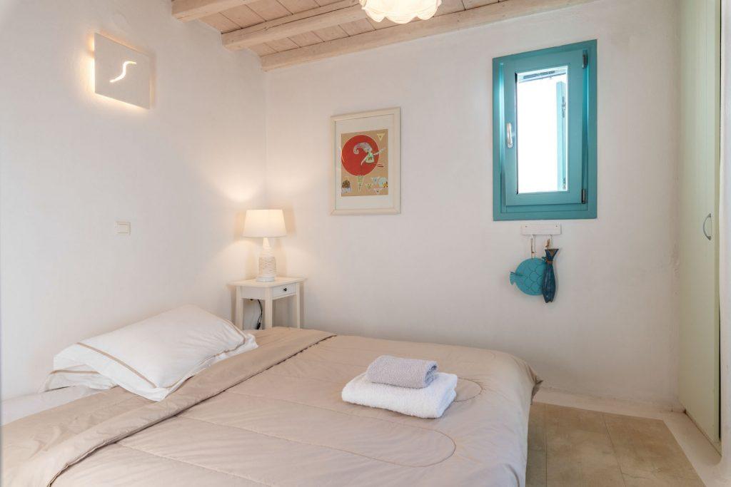 Mykonos-Luxury-Villa-Agapi9