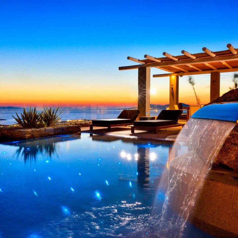 Rocks Resort