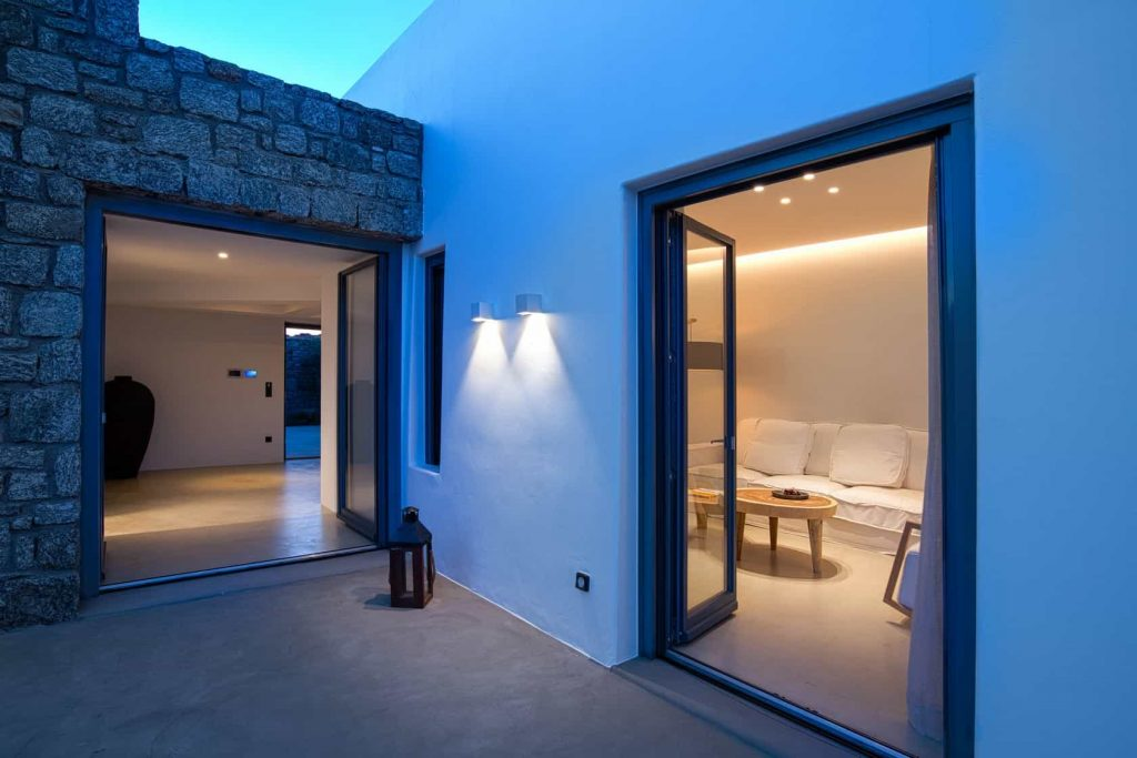 Mykonos luxury villa Dysis24