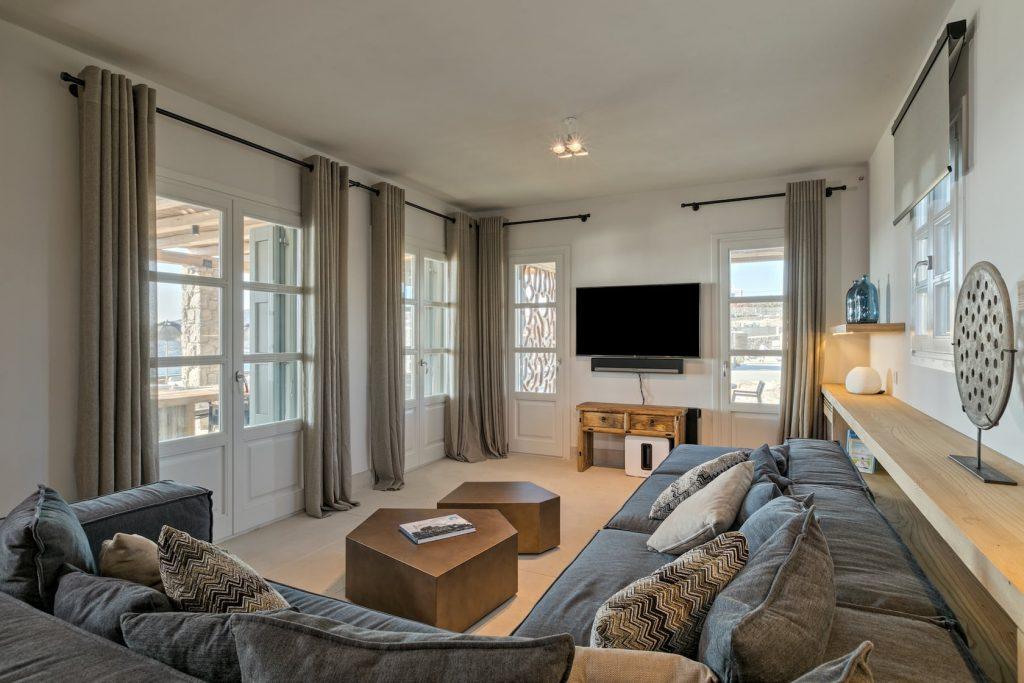 Mykonos Luxury Villa Hera52