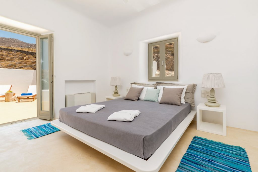 Mykonos Luxury Villa Infernity1