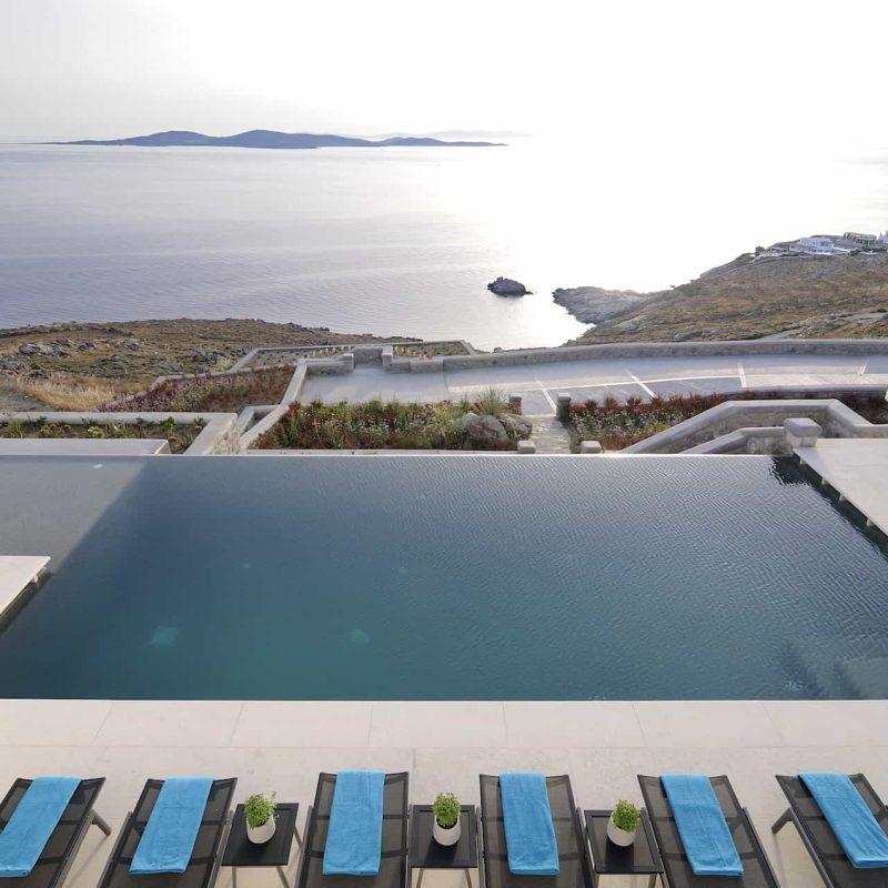 René Resort