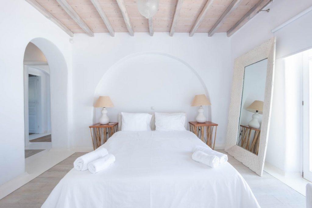 Mykonos-Luxury-Villa-Lala17