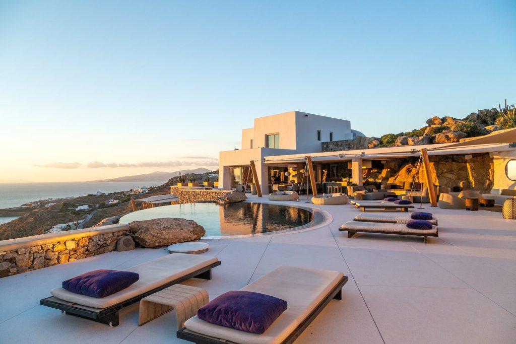 Mykonos-Luxury-Villa-Luisa12