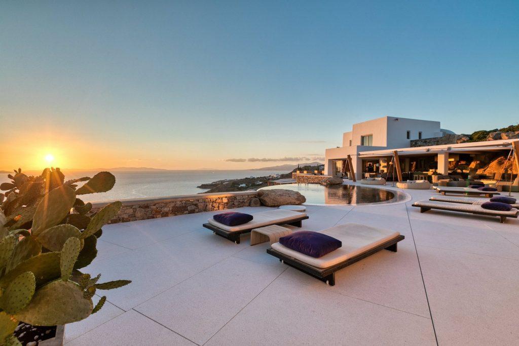 Mykonos-Luxury-Villa-Luisa3