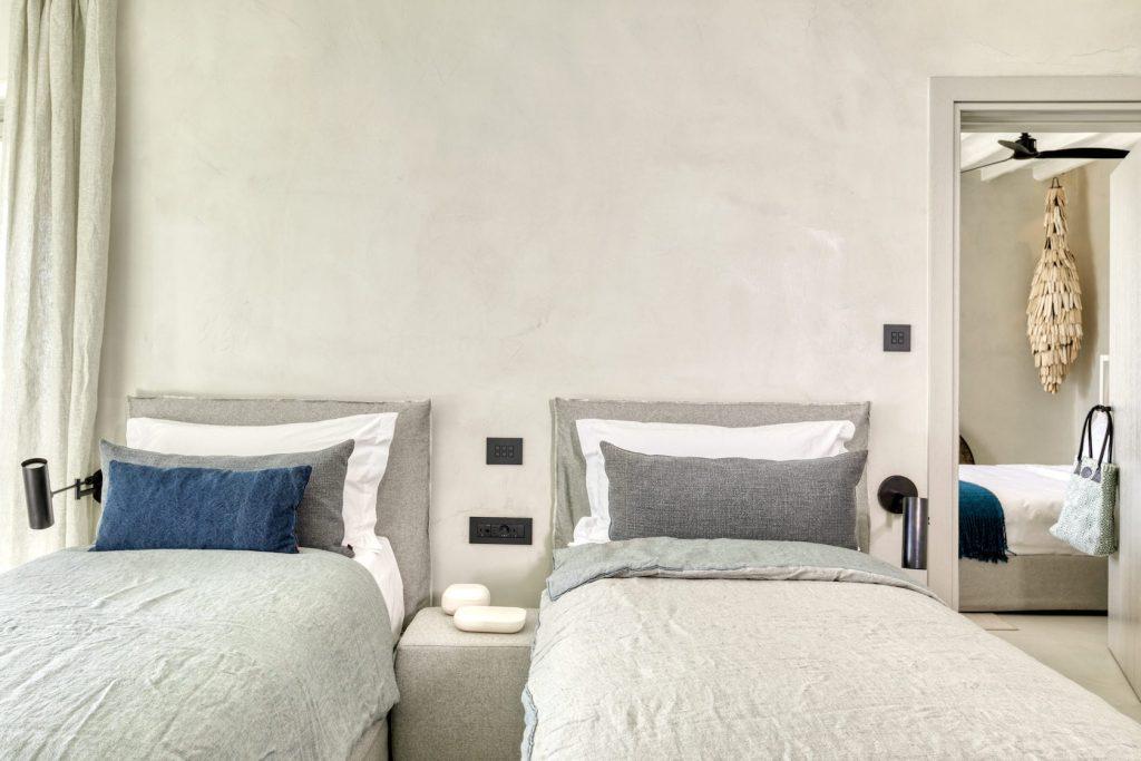 Mykonos-Luxury-Villa-Luisa49