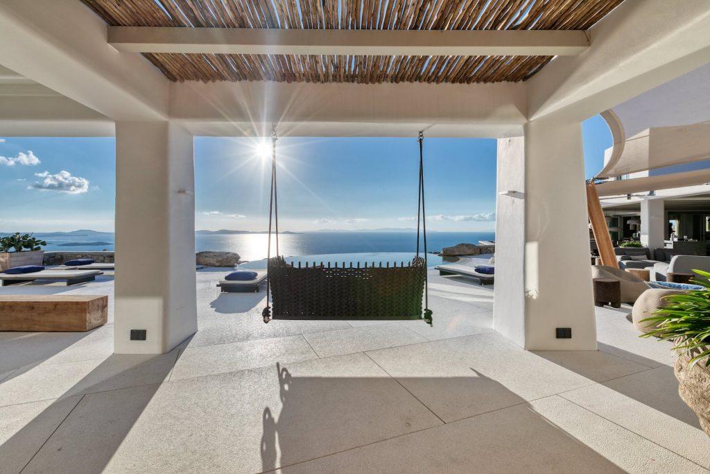 Mykonos-Luxury-Villa-Luisa5