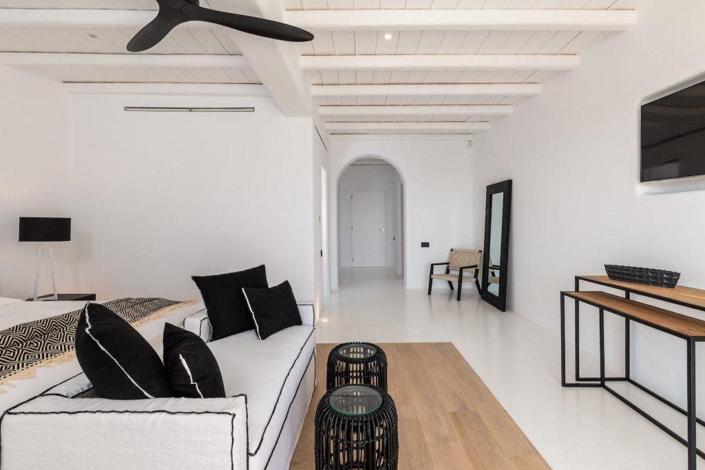 Mykonos-Luxury-Villa-Miraval34