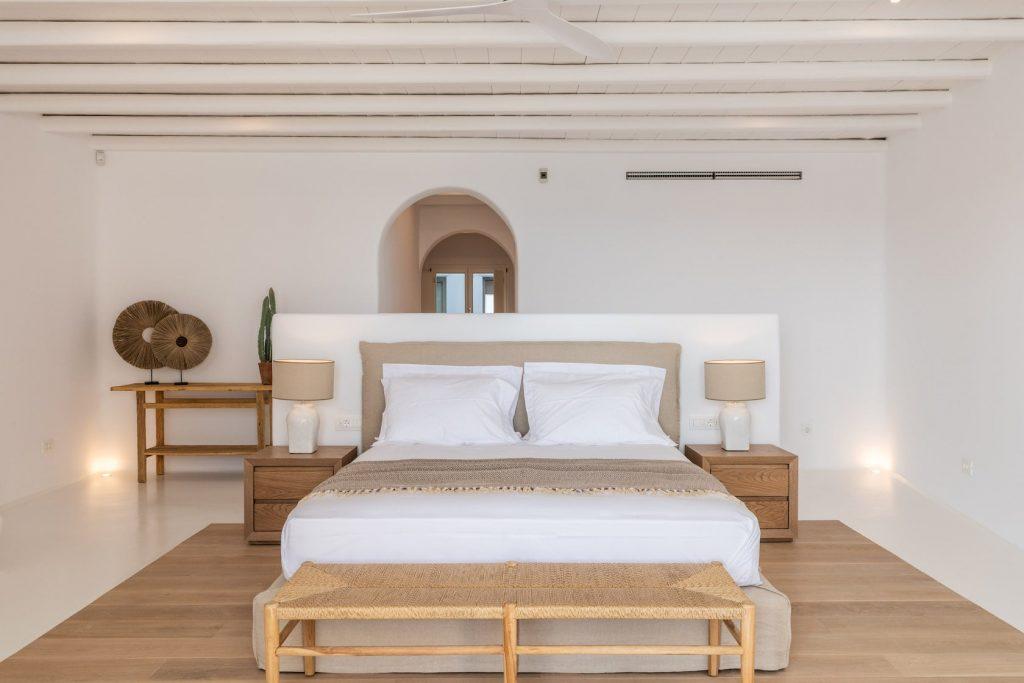 Mykonos-Luxury-Villa-Miraval38