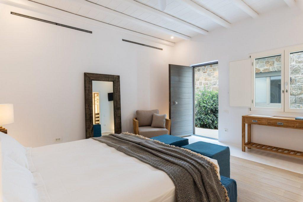 Mykonos-Luxury-Villa-Miraval46
