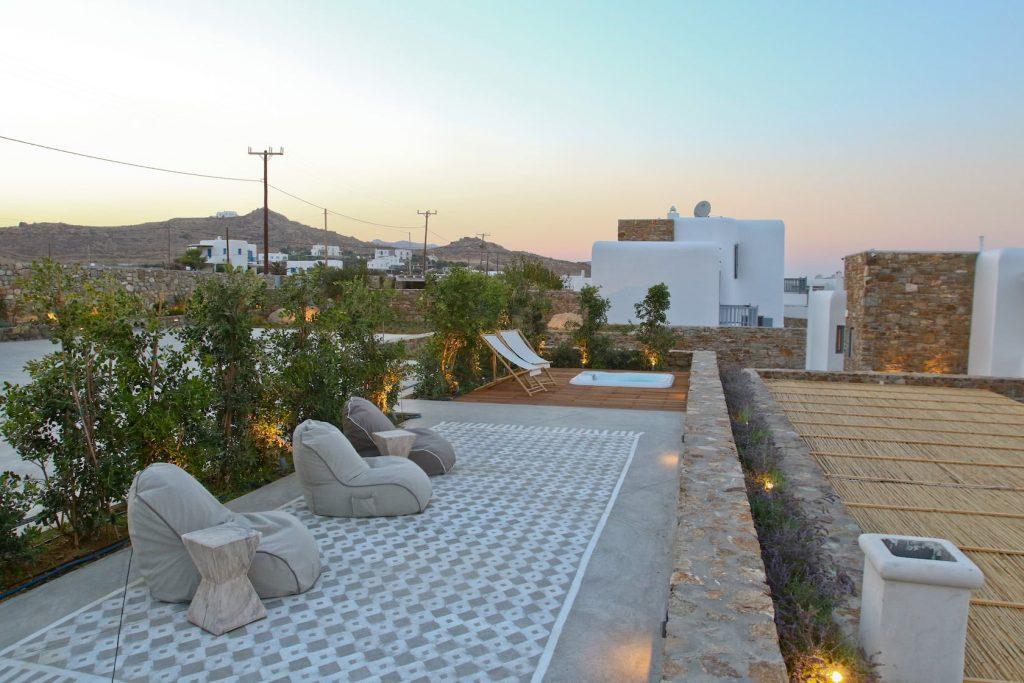 Mykonos-Luxury-Villa-Moonflower1