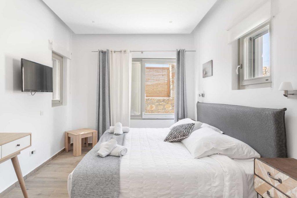 Mykonos luxury villa Panamera10