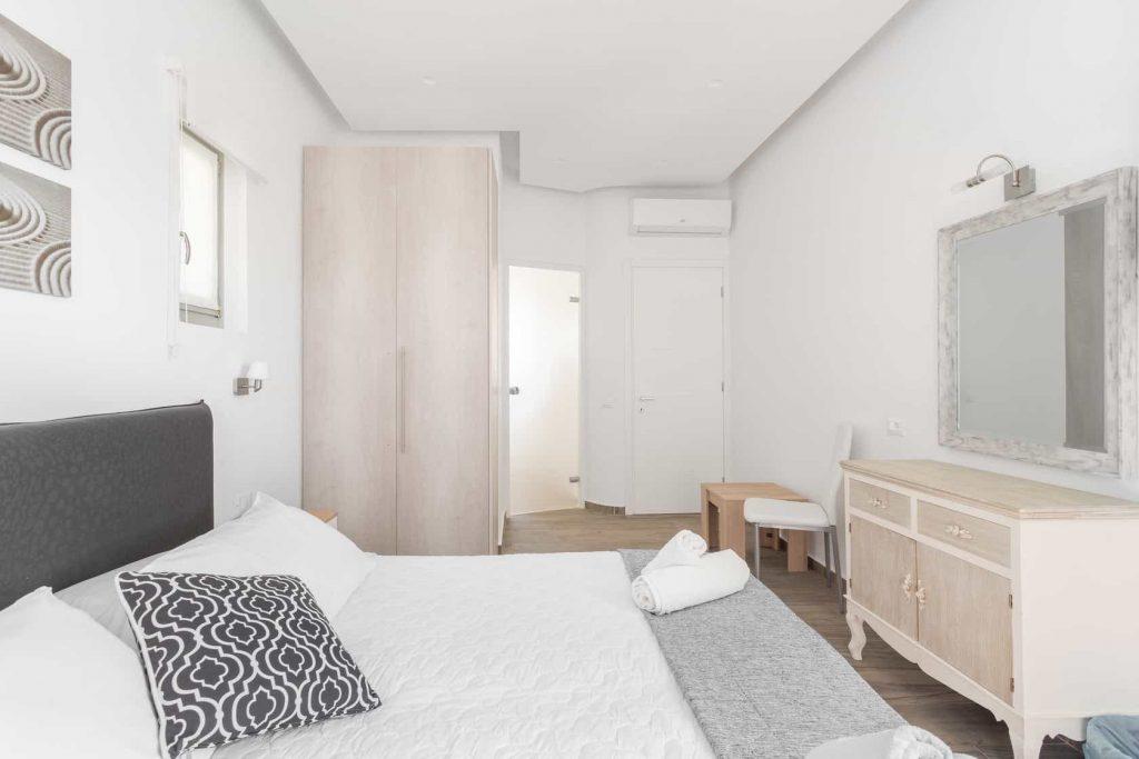 Mykonos luxury villa Panamera13