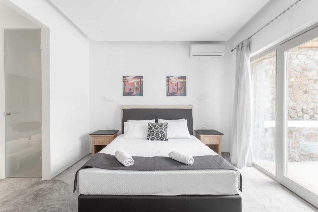 Mykonos luxury villa Panamera23