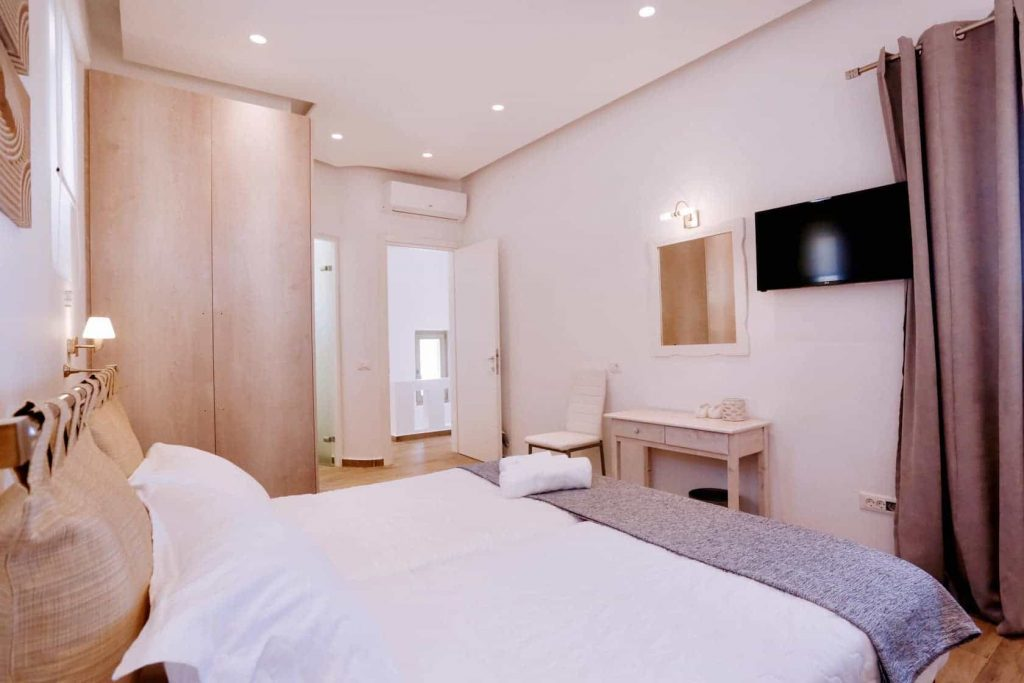 Mykonos luxury villa Panamera49