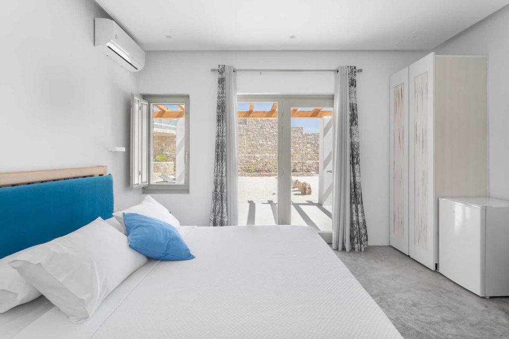 Mykonos luxury villa Panamera7