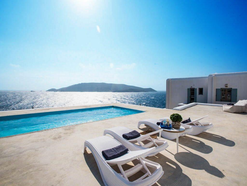 mukonos luxury villa petra 00001