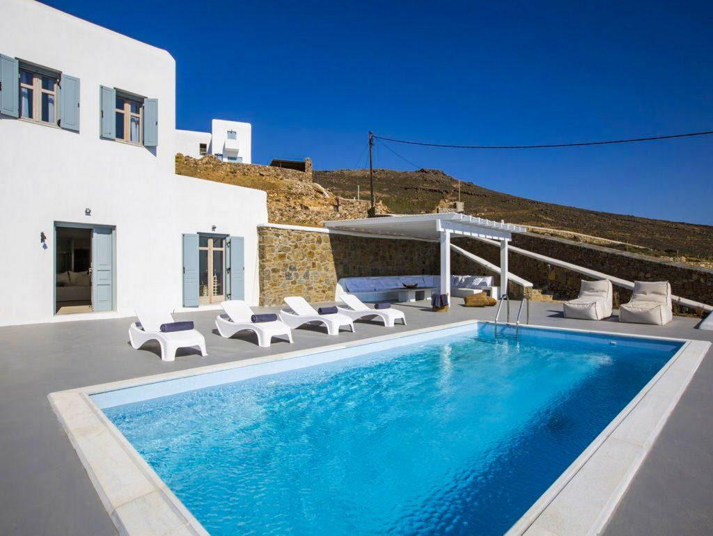 mukonos luxury villa petra 00002