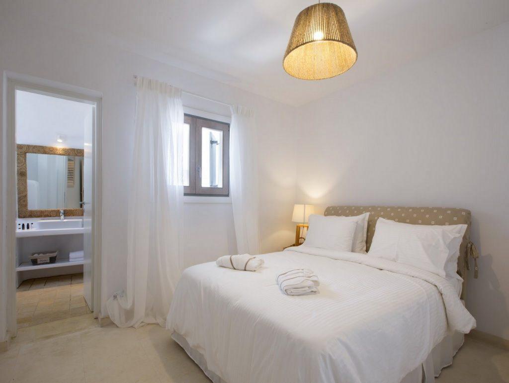 mukonos luxury villa petra 00025