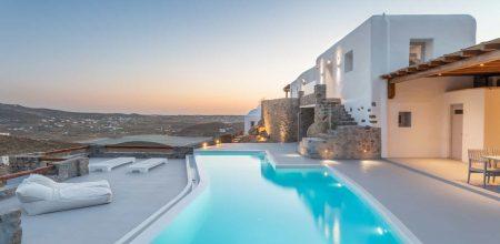 Hotel or Villa in Mykonos?