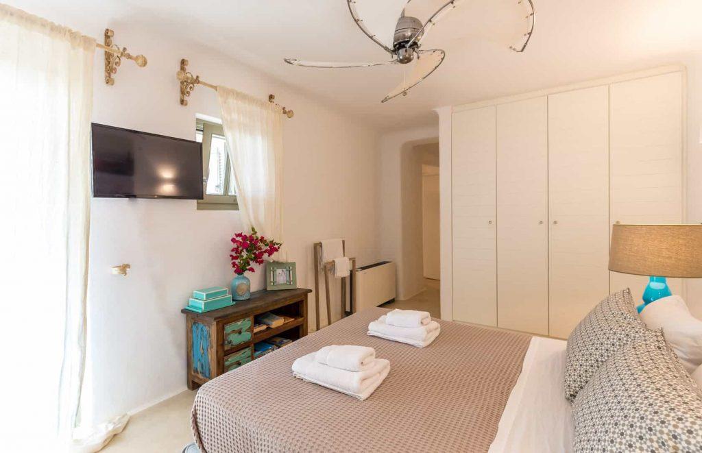 Mykonos luxury villa Savina34