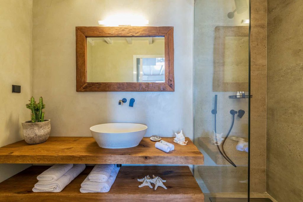 Mykonos luxury villa Themeli24