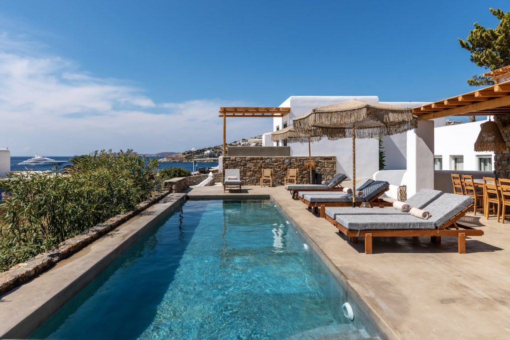 Mykonos-Luxury-Villa-Trinity1