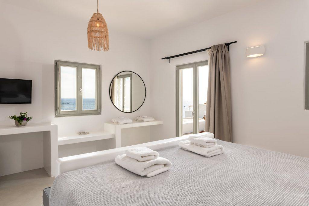 Mykonos-Luxury-Villa-Trinity24