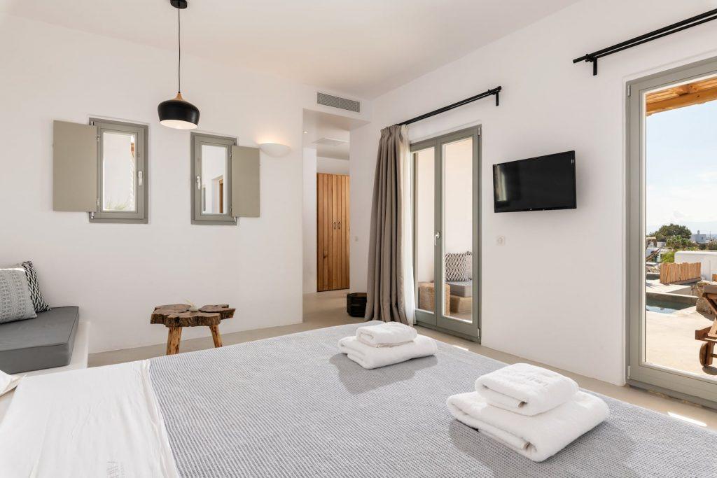 Mykonos-Luxury-Villa-Trinity3