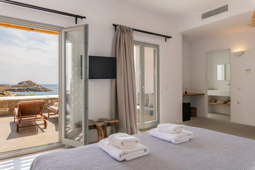 Mykonos-Luxury-Villa-Trinity44
