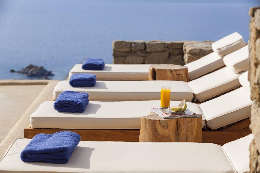 Mykonos-Luxury-Villa-Valencia10