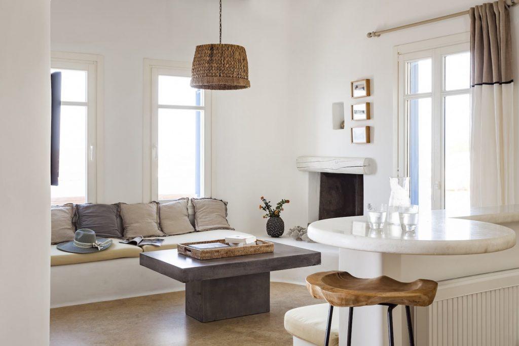 Mykonos-Luxury-Villa-Valencia11