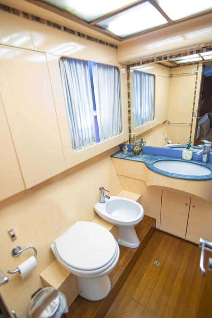 Mykonos Luxury Yacht Akhir  10