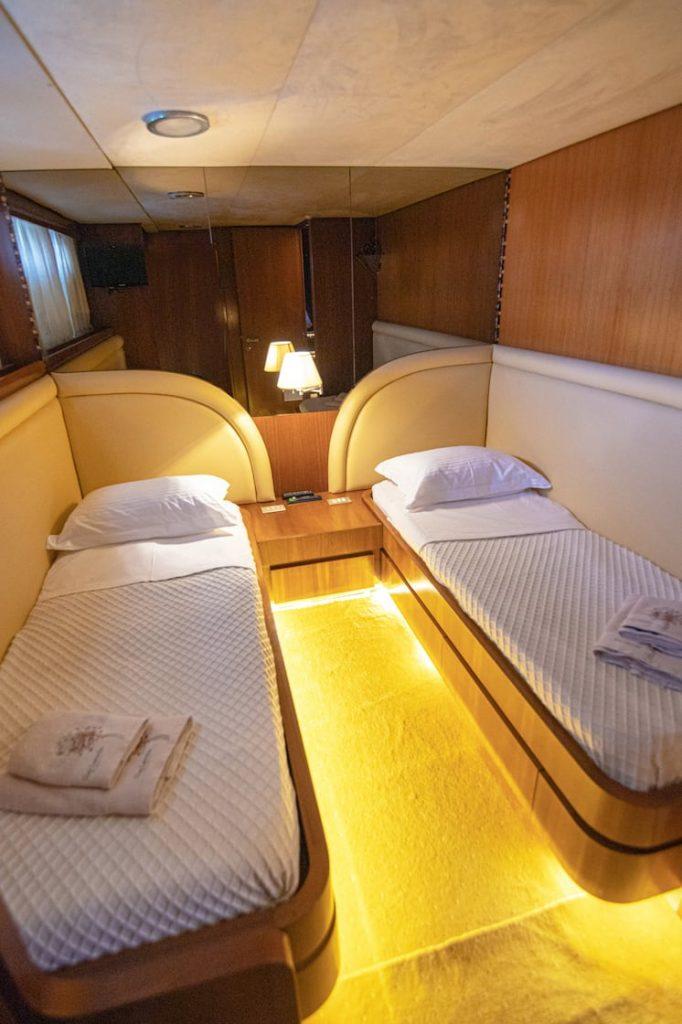 Mykonos Luxury Yacht Akhir  14