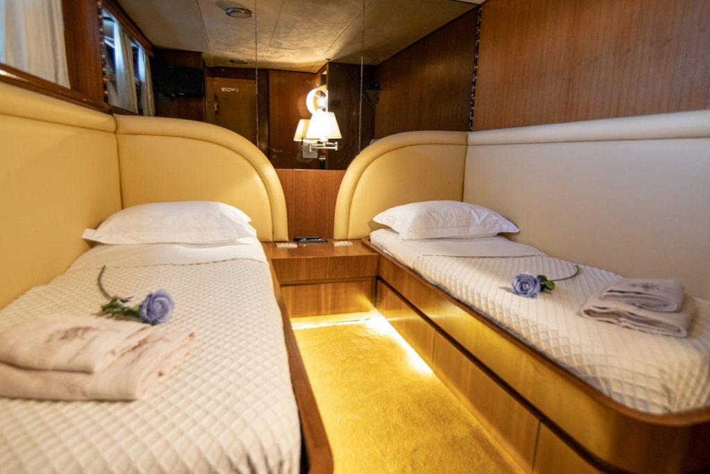 Mykonos Luxury Yacht Akhir  15