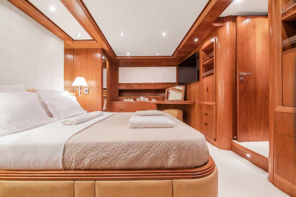 Mykonos luxury yacht Alalunga78ft22