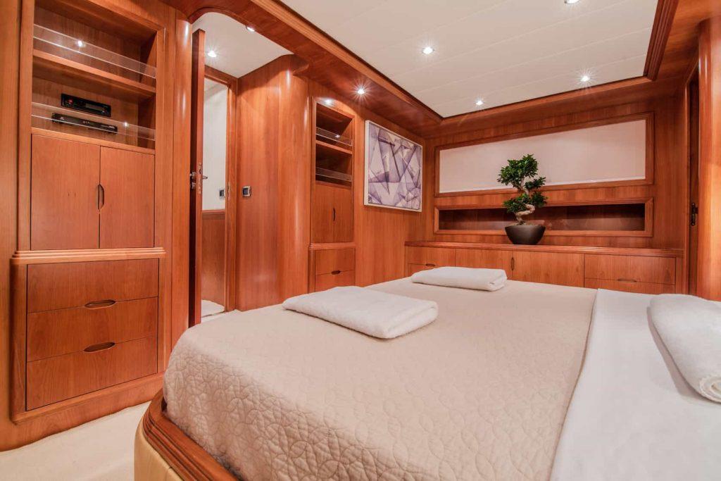 Mykonos luxury yacht Alalunga78ft23