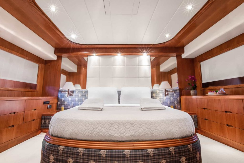 Mykonos luxury yacht Alalunga78ft32