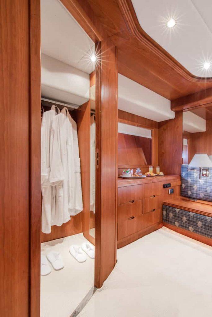 Mykonos luxury yacht Alalunga78ft33