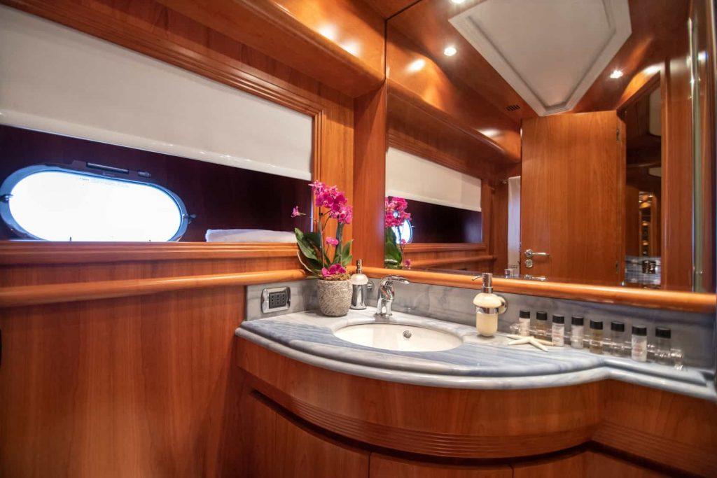 Mykonos luxury yacht Alalunga78ft6