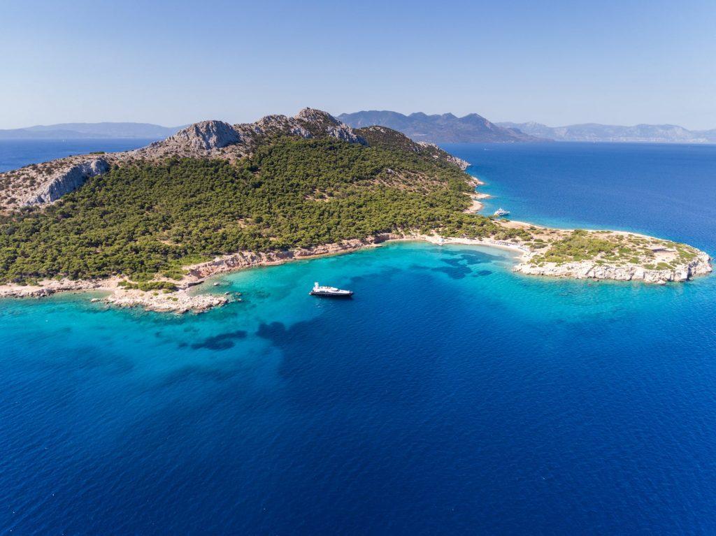 Mykonos-Luxury-Yacht-Aquarella13