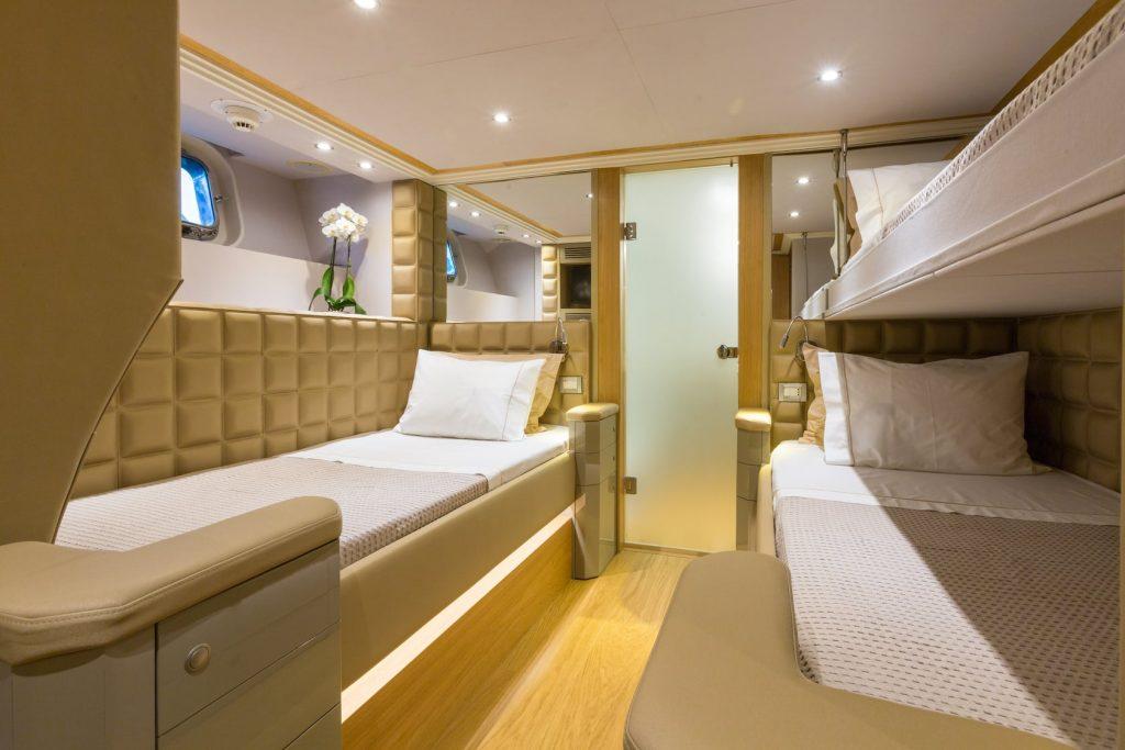 Mykonos-Luxury-Yacht-Aquarella16