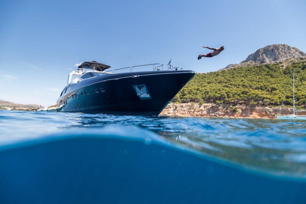 Mykonos-Luxury-Yacht-Aquarella19