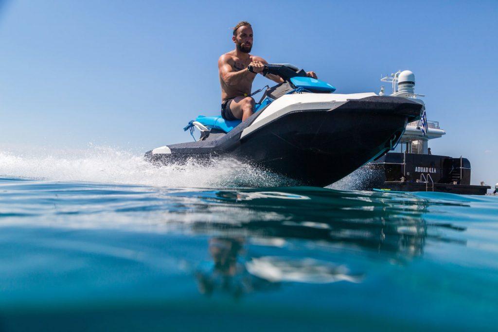 Mykonos-Luxury-Yacht-Aquarella20