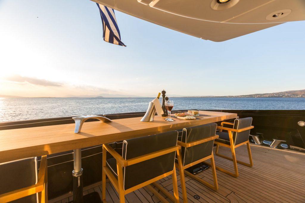 Mykonos-Luxury-Yacht-Aquarella24