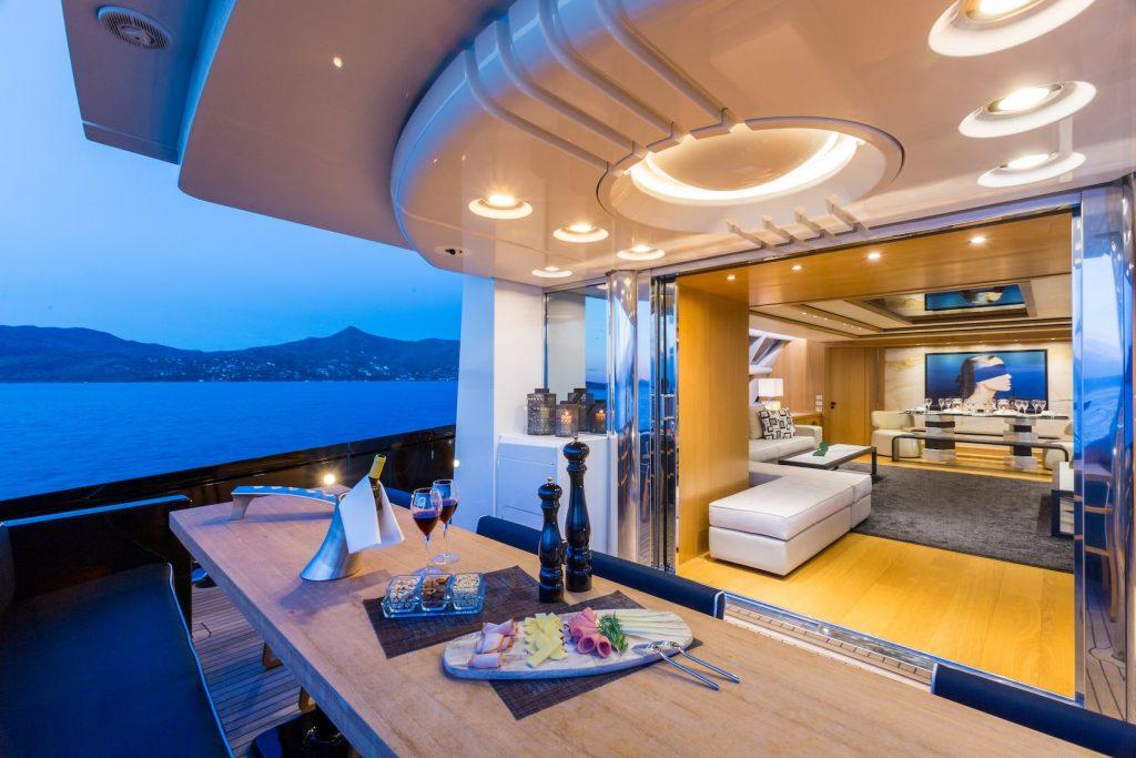 Mykonos-Luxury-Yacht-Aquarella28